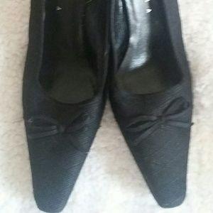 Exquisite Paloma Italian Heels  Size 9 B